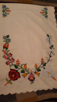 88335985a7 A(z) hímzés nevű tábla 316 legjobb képe | Hungarian embroidery ...