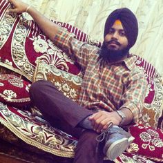 Regular Trend..Patiala Shahi Pagg and a Beard make best of this pic..i wish i would have wear orange socks for making it perfect..!!