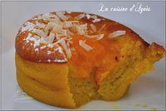 de délicieux moelleux à la mangue et à la noix de coco pour un dessert ou un goûter exotique au coeur à la purée de mangue
