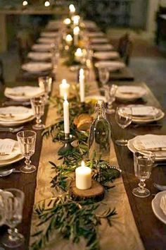 Christmas table centerpieces - Holiday Pinspiration Throw The Ultimate Christmas Soiree – Christmas table centerpieces Noel Christmas, Rustic Christmas, Christmas Crafts, Simple Christmas, Elegant Christmas, Christmas Ideas, Woodland Christmas, Christmas Candles, Christmas Wrapping