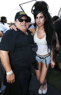 Danny DeVito and Amy Winehouse - The 2007 Coachella Valley Music and Arts Festival Danny Devito, Movie Shots, Sunny In Philadelphia, How Many People, Jonas Brothers, Amy Winehouse, Beautiful Voice, Her Music, Mom And Dad