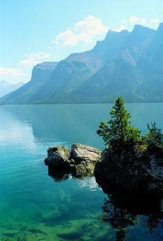 El paisaje excepcional de las Rocosas canadienses para relajarse en el invierno.