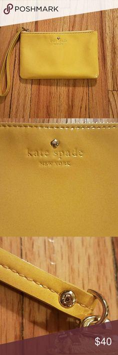Kate Spade Wristlet Great condition, minimal wear. kate spade Bags Clutches & Wristlets