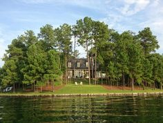 """A Lake House in Alabama Named """"Best New Home"""""""