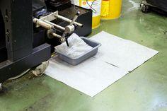 Szeroka oferta sorbentów polipropylenowych pozwala na ograniczenie nakładu pracy, kosztów utylizacji i stosowanego sprzętu przy likwidacji skutków awarii z udziałem substancji niebezpiecznych.