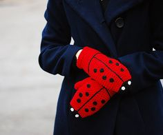 Ladybug Mittens FOR KIDS Gloves Gift Wool Crochet Winter Cold Days Girls Cozy Red Black