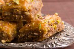 The best of Arabic cuisine in 7 dishes - International Food Latin Food, Arabic Food, Middle Eastern Recipes, Dessert Recipes, Desserts, Empanadas, International Recipes, Deli, Food To Make
