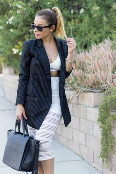 A messy high ponytail and boyfriend blazer look! Today on the blog.
