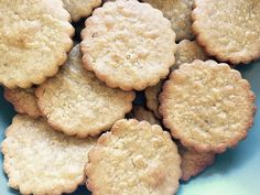 BLW Friendly: Galletas de avena (sin azúcar) Baby Food Recipes, Sweet Recipes, Healthy Recipes, Healthy Food, Baby Snacks, Baby Led Weaning, Confectionery, Sin Gluten, Kids Meals