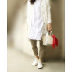 nana771279おはようございます * * *  #今日のコーデ#今日の服#アラフォー#アラフォーコーデ#code#プチプラ#ママコーデ#カジュアル#offtit #カジュアルコーデ#Coordinate#fashion #おちび#ootd#ponte_fashion #kurashiru#kaumo_fashion#シンプルコーデ #スナップミー#locari#足元クラブ#スニーカー #おじ靴#シャツワンピ#GU#gumania #イーハイフン#earth#チノパン * * * 昨日は、色々お店も見てきて、アクセも欲しいなと 見てきたァ! が、買ったのは、。?(笑)  久々ゆっくり見れてよかったが、 見たあとにフツフツ物欲でるよね、、?