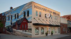 Missouri Star Live Missouri Quilt Tutorials, Beginning Quilting, Grill Apron, Straight Line Quilting, Quilt Labels, Fabric Bins, Sewing Aprons, Missouri Star Quilt, Four Corners