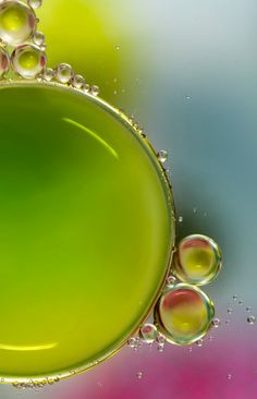 Oil And Water by Mandy Disher Reflection And Refraction, Refraction Of Light, Pics Art, Art Pictures, Photos, Colouring Pics, Bubble Art, Photography Pics, Oil Water