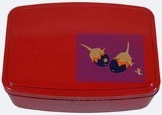 Hakoya Red Bento Box with 2 Flower Petal Design