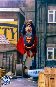 Christopher Reeve from Superman the Movie. Superman takes flight. Superman Comic, Superman Movies, Superman Family, Dc Movies, Real Superman, Superman Workout, Marvel Dc, Marvel Comics, Christopher Reeve Superman