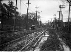 Looking east on Davenport Road at Bathurst St. in Toronto, 1913. City of Toronto Archives photo