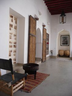 Riad Matham Le Riad, Moroccan Dishes, Shipping Container Homes, Marrakech, Oversized Mirror, Gallery, Room, Furniture, Neutral