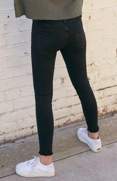 black skinny jeans women high waist Click above VISIT link for Black Skinny Jeans Women, Tight Jeans Men, Superenge Jeans, Skinny Guys, Boys Jeans, Super Skinny Jeans, Skinny Fit, Sagging Pants, Mode Man