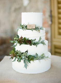 Photography: Rebecca Arthurs - rebeccaarthurs.com  Read More: http://www.stylemepretty.com/destination-weddings/2014/10/29/romantic-italian-wedding-inspiration/
