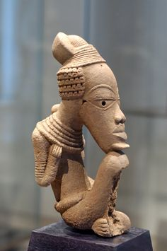 Nok sculpture Louvre - Nok culture Nok's social system is thought to have been highly advanced. The Nok culture was considered to be one of the earliest African producer of life-sized Terracotta. Arte Tribal, Tribal Art, Ancient Art, Ancient History, Art History, Black History, Afrique Art, African Sculptures, Art Antique