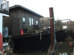 Outlived Ad of the Day: Substantial Houseboat – Crescent Moon  Price: £129'950.- Advertiser: Premier Houseboats  More: https://www.outlived.co.uk/ads/substantial-houseboat-crescent-moon/