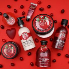 Body Shop At Home, The Body Shop, Parfum Victoria's Secret, Body Shop Skincare, Skin Care Routine Steps, Perfume, Skincare Packaging, Bath And Body Works, Beauty Care