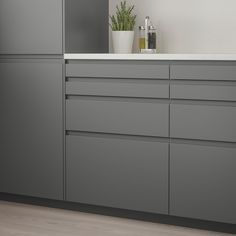Full Product Info - IKEA - VOXTORP, Drawer front, dark gray, VOXTORP is a smooth door with integrated handles. It brings clean lines and an open, modern look to your kitchen. The depth of the handle makes it easy to open and close the drawer. Black Kitchens, Cool Kitchens, Modern Kitchens, Small Kitchens, New Kitchen, Kitchen Decor, Kitchen Ideas, Rustic Kitchen, Kitchen Layout
