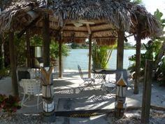 The lounge at the Lakeside Inn, Marco Island, Fla. Photo credit: M. Ciavardini. http://bashfuladventurer.com/gulf-getaway-oasis-in-condo-land/