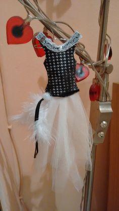 Paper Dresses, Style, Fashion, Swag, Moda, Fashion Styles, Fashion Illustrations, Outfits