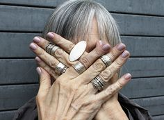 show me your stack : Saundra Messinger / http://www.unruly-things.com/category/show-me-your-stack