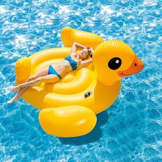 Inflatable Ride On for the Pool or Beach Intex 56286 Yellow Duck Island Cute Pool Floats, Giant Pool Floats, Pool Floats For Adults, Inflatable Floating Island, Duck Island, Inflatable Pool Toys, Giant Inflatable, Pool Rafts, Cool Pools