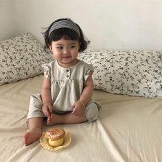 Cute Baby Meme, Cute Funny Babies, Cute Asian Babies, Korean Babies, Asian Kids, Cute Memes, Cute Kids, Kids Girls, Baby Kids