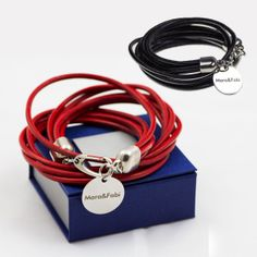 Bracelet en cuir avec pendentif personnalisable - ideecadeau.fr  32,90€