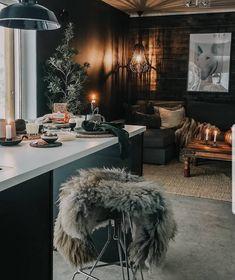 Japanese Living Rooms, Hygge, Shag Rug, Home Decor, Shaggy Rug, Decoration Home, Room Decor, Blankets, Home Interior Design
