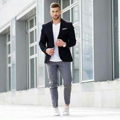 Blazer casual, black blazers, black jacket outfit, blazers for men, blazer Black Blazer Casual, Black Jacket Outfit, Men Casual, Indian Men Fashion, Mens Fashion, Street Fashion, Blazer Outfits Men, Men Blazer, Look Blazer
