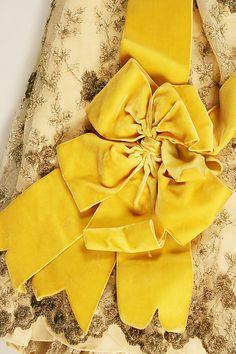Ball gown (image 5 - detail)   Emile Pingat   1891-93   French; Paris   silk, cotton   Metropolitan Museum of Art   Accession Number: 1978.295.7a, b