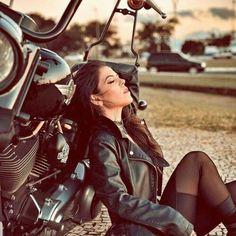 Harley Davidson, Lady Biker, Biker Girl, Biker Photoshoot, Motard Sexy, Cafe Racer Girl, Motorcycle Photography, Camping Photography, Motorbike Girl