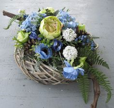 December 25, Diy Flowers, Funeral, Farmer, Floral Arrangements, Floral Wreath, Wreaths, Cemetery, Spring