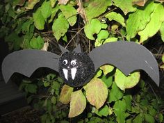 Glitter Bat for Halloween  Easy Craft Tutorial