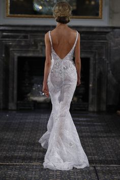As we continue to look at our favourite collections from Bridal Week, today we're swooning over the 2016 collection of Mira Zwillinger wedding dresses/ Couture Wedding Gowns, 2016 Wedding Dresses, Haute Couture Dresses, Wedding Wear, Bridal Gowns, Coral Gables, Glamorous Dresses, Beautiful Gowns, Bridal Style