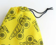 Construction Truck Party Favors / Dump Truck Birthday Bags / Fabric Goodie Bags / Goody Bags / Gift Bags / 6.25 x 9.5 inches / Set of 5