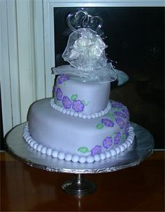 Rhonda Bakes - Wedding Cake (my first attempt at a doweled cake and also at fondant - circa 2007)