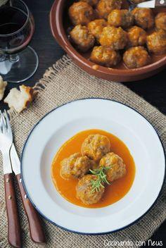 Spanish meatballs in sauce - Albóndigas en salsa española Meat Recipes, Mexican Food Recipes, Cooking Recipes, Ethnic Recipes, Tapas Spain, Spanish Meatballs, Easy Diner, Meatball Sauce, Fish And Meat