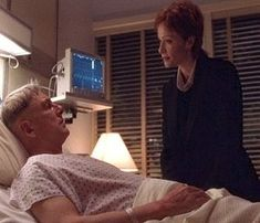 I love this episode and she was so worried about him ❤😥 Serie Ncis, Chicago Hope, Leroy Jethro Gibbs, Lauren Holly, Mark Harmon, Special Agent, Film, My Love, Movie