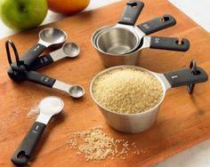 Vamos converter (e traduzir) medidas importantes na hora de cozinhar: