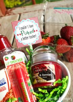 Strawberry Teacher Gift - Give your child's teacher the gift of strawberries! A bowl of strawberry-scented products is a fun way to thank your child's teacher at the end of the school year. Cute Teacher Gifts, Teacher Valentine, Teacher Appreciation Gifts, Valentine Gifts, Teacher Presents, Healthy Meals For Kids, Kids Meals, Cupcake Diaries, Toddler Teacher