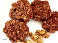 Claire-ify Your Health: Raw Vegan Chocolate Coconut Balls Coconut Balls, Ovo Vegetarian, Juice Cleanse, Vegan Chocolate, Natural Living, Raw Vegan, Biscuit, Healthy Recipes, Healthy Food