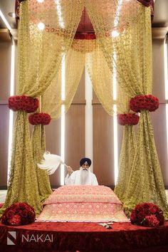 Amy + Atit's South East Asian Hindu - Sikh wedding at Chicago Hyatt Regency Ohare! Flowers by Yanni Design Studios! Sikh Wedding Decor, Indian Wedding Decorations, Wedding Pics, Dream Wedding, Wedding Ceremony, Wedding Entrance, Wedding Ideas, Wedding Bells, Wedding Hair