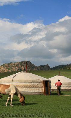 Mongolei: Jurten                                                       …