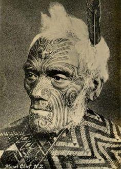 New Zealand: Maori Chief displaying traditional Ta moko facial and body markings Tonga, Tahiti, Maori Tattoo Designs, Maori Tattoos, Ta Moko Tattoo, Maori People, Grand Art, Maori Art, Kiwiana