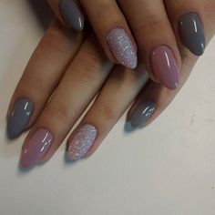 The advantage of the gel is that it allows you to enjoy your French manicure for a long time. There are four different ways to make a French manicure on gel nails. Autumn Nails, Winter Nails, Acrylic Nails Autumn, Get Nails, Love Nails, Gorgeous Nails, Pretty Nails, Shellac Nails, Nail Polish